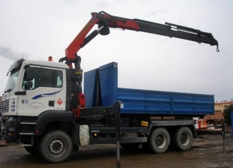 Camiones con grúa